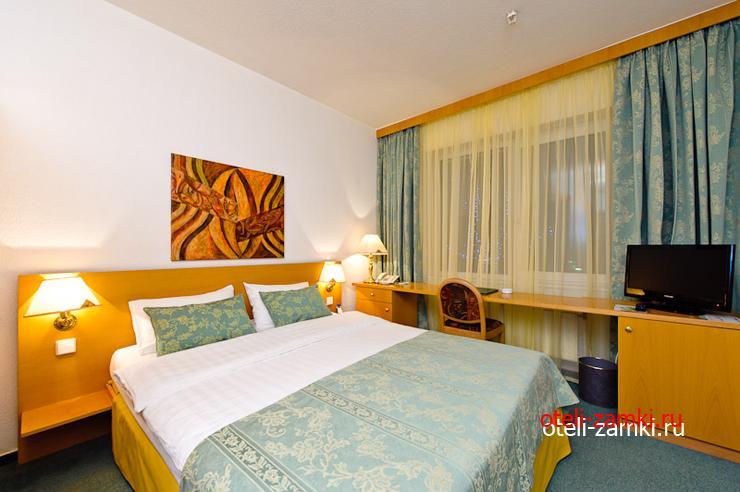 LES Art Resort 4*