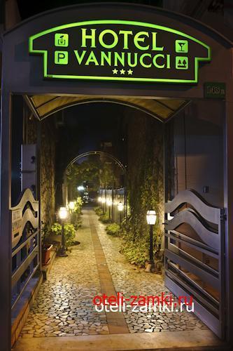 Vannucci 3* (Марина Чентро, Италия)