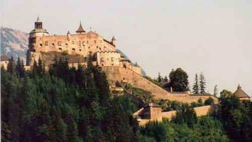 Замок Хоэнфервен (Burg Hohenwerfen)