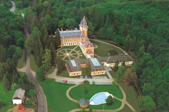 Замок Шашвар в Венгрии