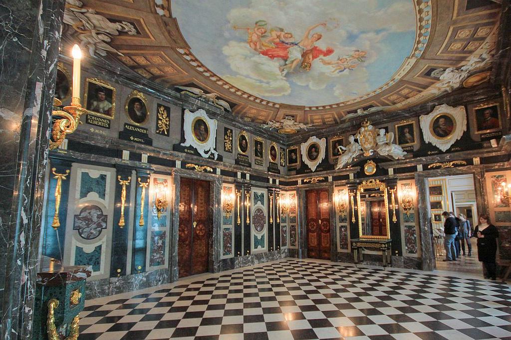 Интерьер Королевского замка в Варшаве