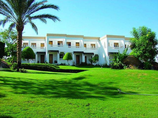 Отель CLUB REEF