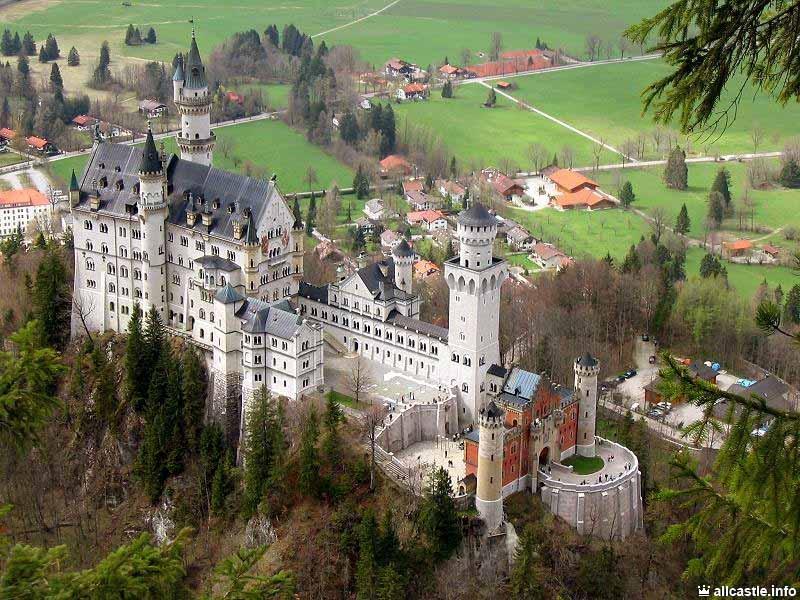 Замок Нойшванштайн в Фюссене