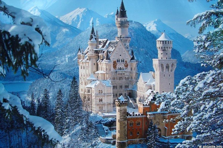 германия замок нойшванштайн фото