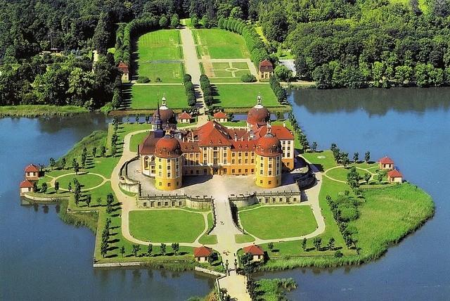 Немецкий Замок Морицбург в Дрездене