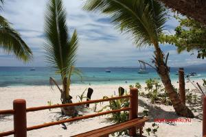 Beachcomber Island Resort 3*