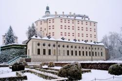 Замок Амбрас (Schloss Ambras) зимой