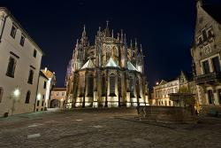 Собор Святого Вита ночью