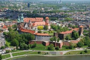 Королевский замок в Кракове (Zamek Królewski na Wawelu)
