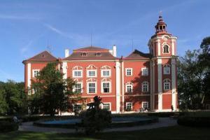 Замок Детенице (DETENICE)